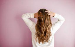 Qual é a melhor vitamina para unha e cabelo?